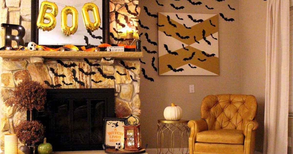 Black bat wall decor for Halloween
