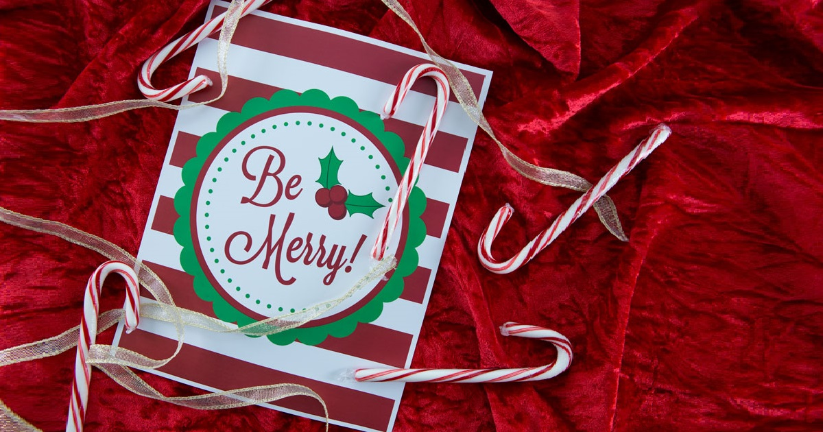 Christmas party decor with DIY label printables: front door sign, be merry