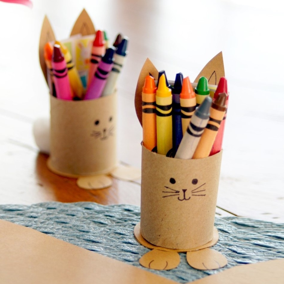 Perfect kids activity: make your own Easter bunny with paper towel/toilet paper rolls