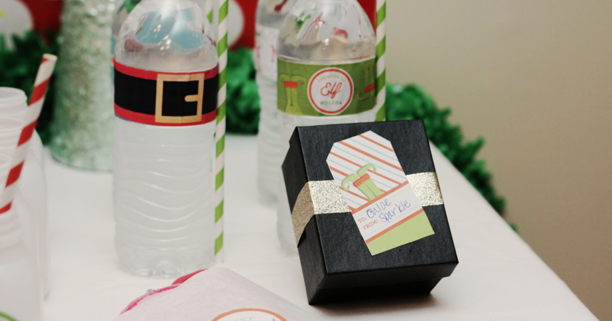 Christmas party decor with DIY label printables: water bottle labels and gift tag stickers