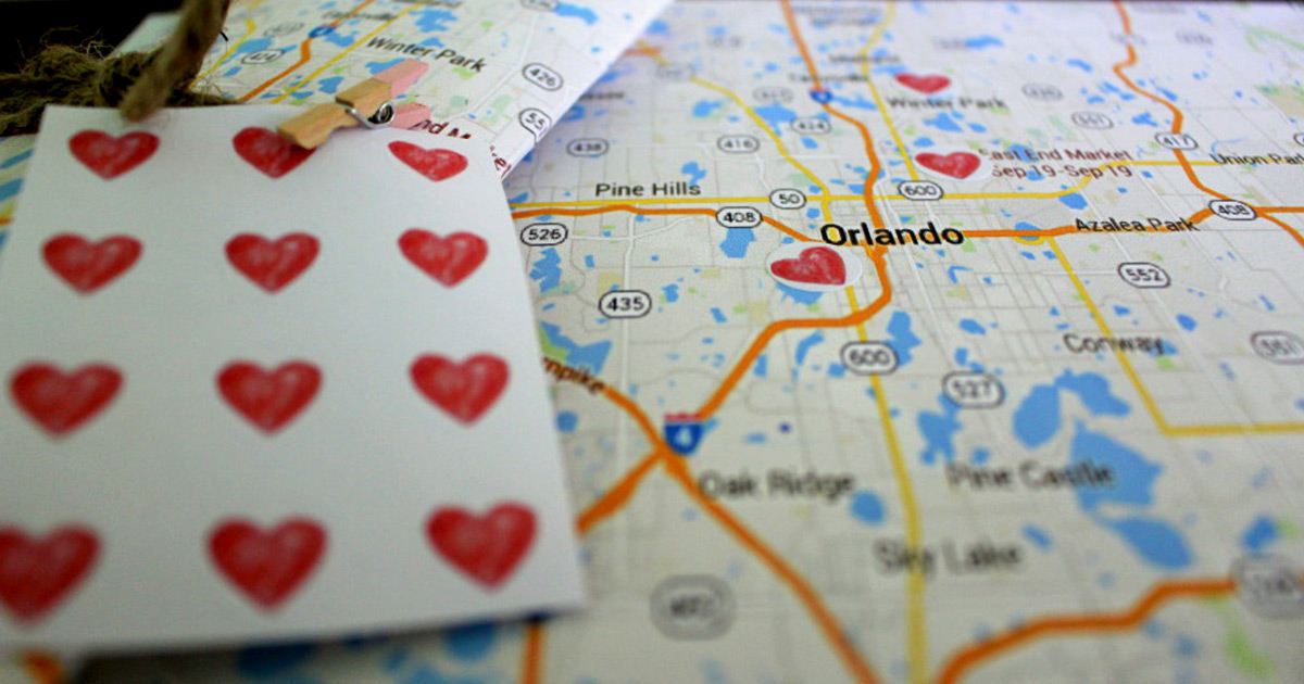 Custom map for guests with heart-shaped stickers for wedding welcome bags