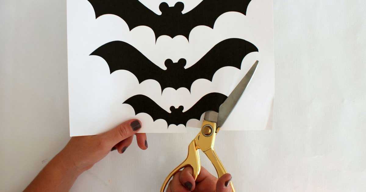 Bat wall tutorial, Halloween party decorations