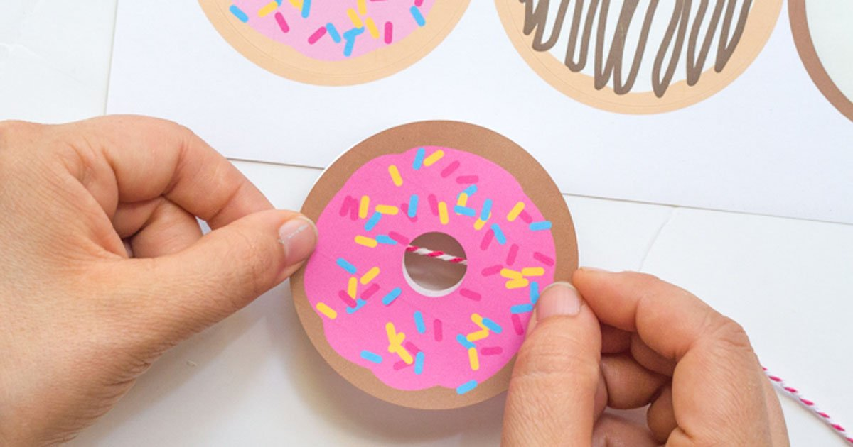 DIY donut garland tutorial