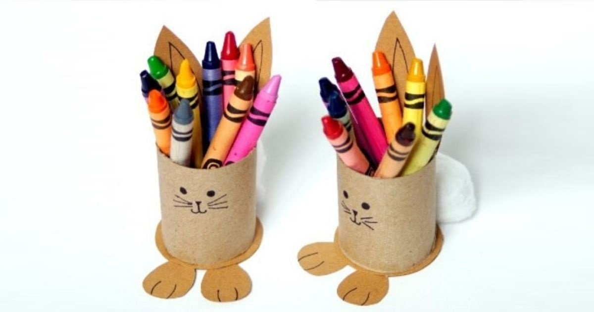 DIY Easter table decoration: bunny cup holder for crayons
