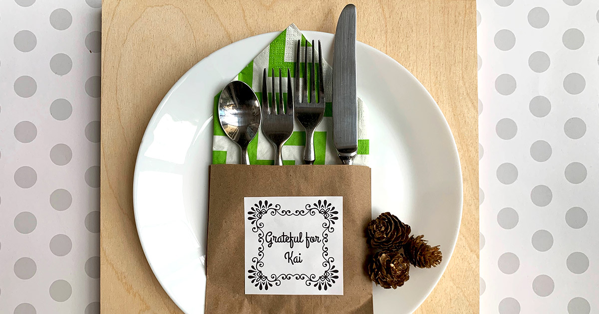 Thanksgiving place setting final.