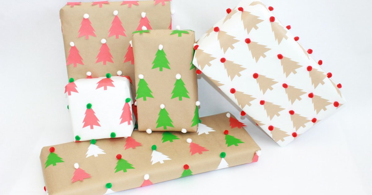 Fun Christmas craft: DIY wrapping paper