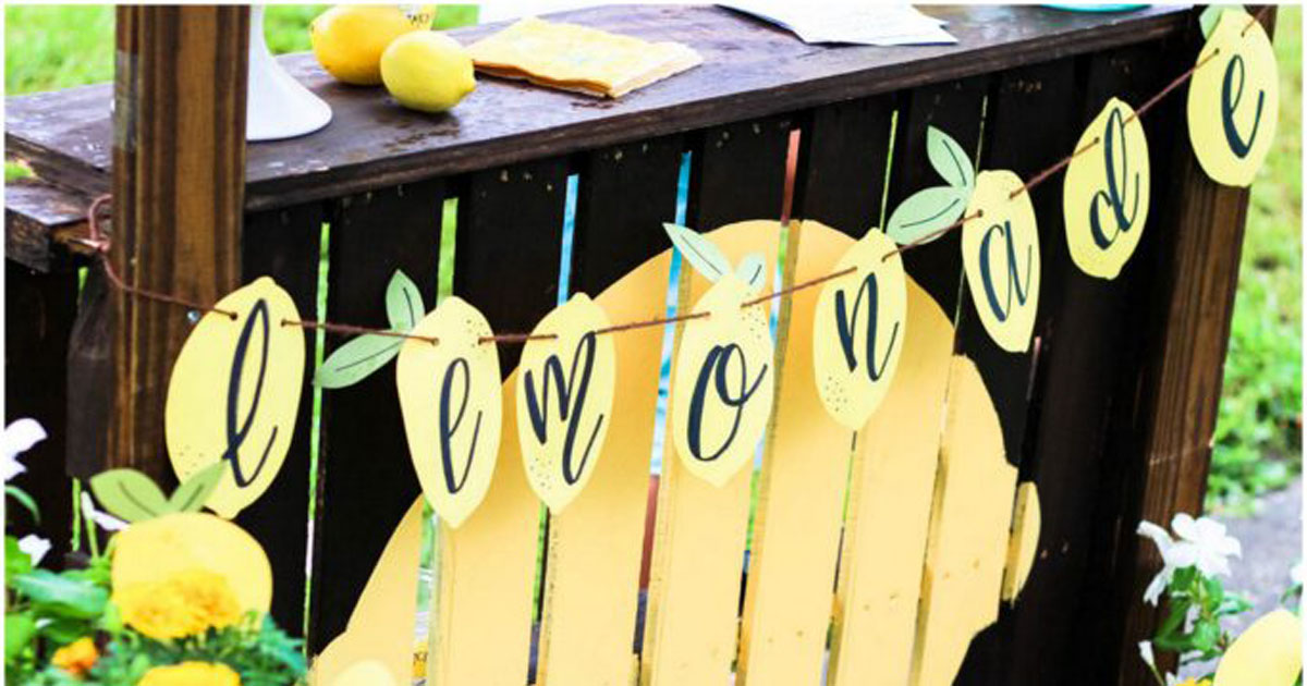 How to decorate your lemonade stand
