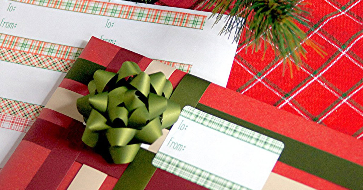 DIY plaid gift tag printable stickers for Christmas present wrapping, 1