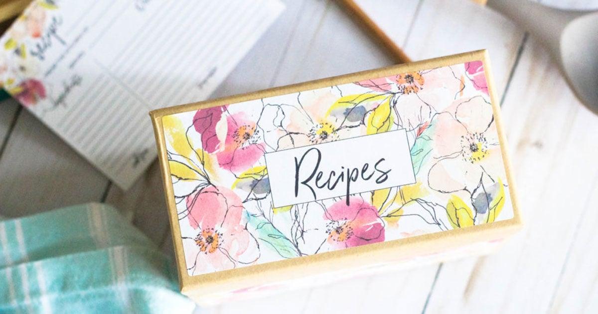 DIY Christmas, housewarming, holiday, wedding gift: recipe card set