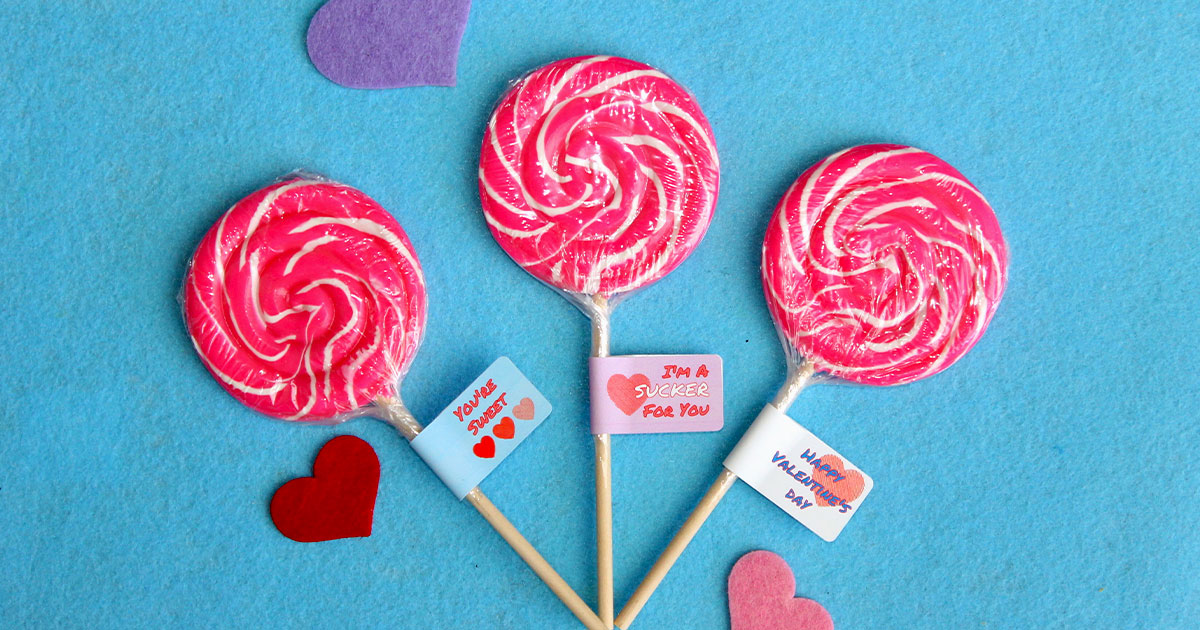 Finished project for kids: Valentine's Day lollipops to hand out at school