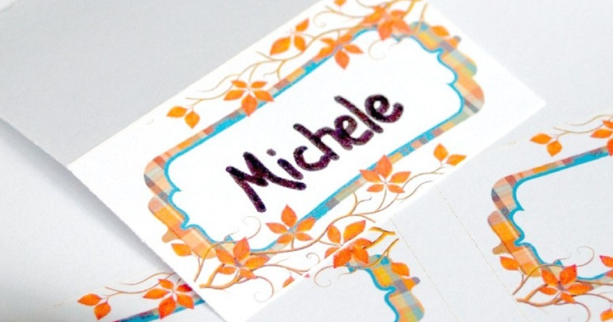 Create personalized place settings for everyone at your Thanksgiving table with printable tentcards