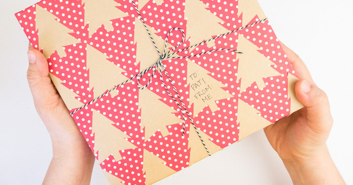 DIY bow for Christmas wrapping paper